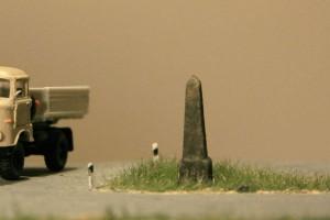 auf M. Rüdigers Allee-Modul in TT nimmt die Postmeilensäule eine zentrale Stellung ein - Foto: M. Röseler